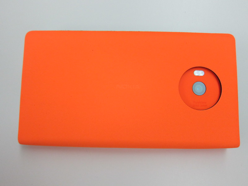 Nokia Lumia 930 Case (CP-637) - With Nokia Lumia 930 (Back)