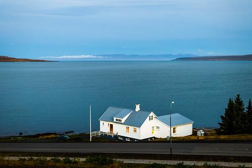 building gebäude haus hólmavík iceland island2016 fassade house maison outdoor seascape seside nikondf 50mmf18 50mm