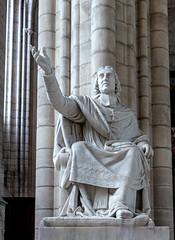 Statue de Jacques Bénigne Bossuet
