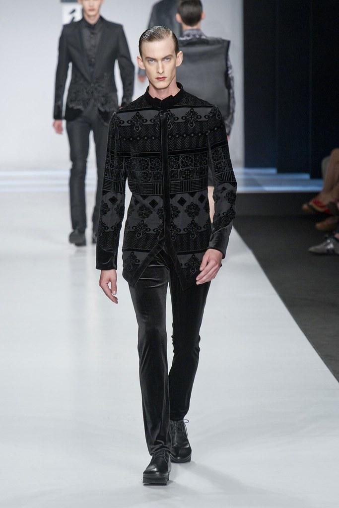 Elias Cafmeyer3121_SS14 Milan Ji Wenbo(fashionising.com)