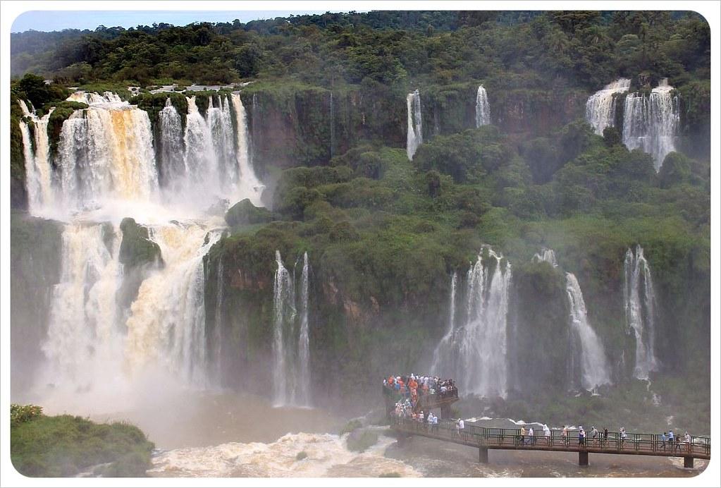 brazil iguazu falls garganta del diablo walkway