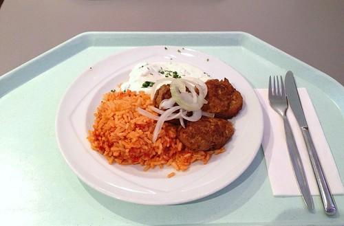 Bifteki mit Tomatenreis & Tzatziki / Bifteki with tomato rice & tzatziki