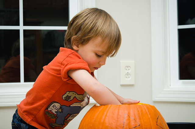 20131028-Pumpkin-Carving-1126