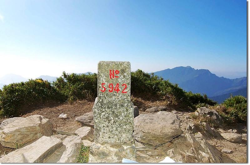 南華山三等三角點(#5942 Elev. 3184 m) 8