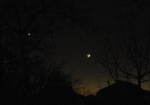 DSCN7545c _ New Moon & Venus, 4 December 2013 - 500