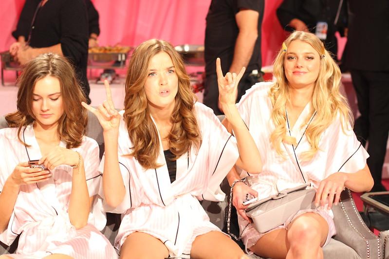 2013 Victoria's Secret Fashion Show  009