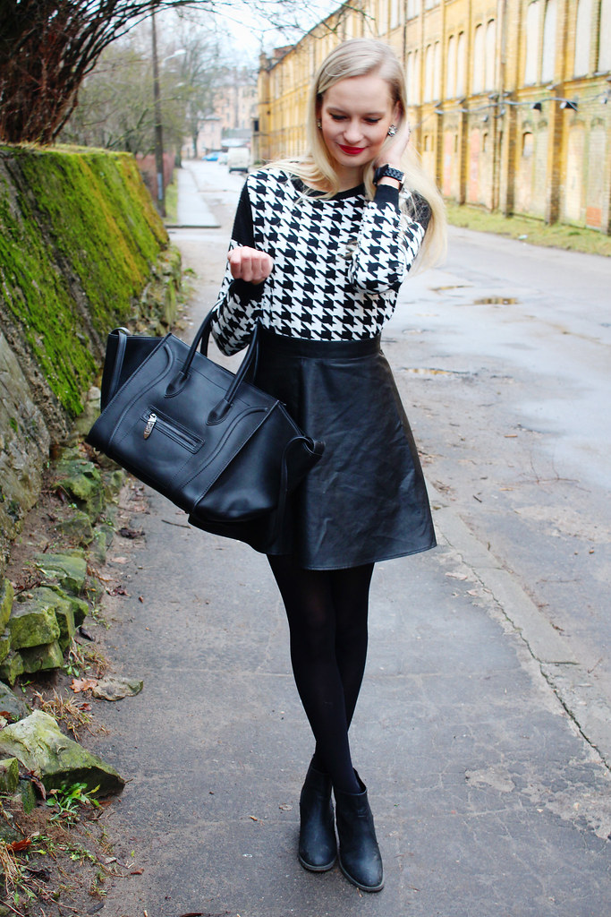 New outfit post on Call me Maddie: I am wearing a houndstooth pattern sweater with zippers on shoulders from Foymall, leather skirt from H&M, smile bag celine look a like bag from Persunmall, ankle boots from H&M