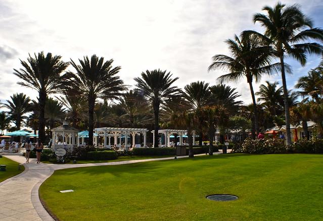 The Breakers Hotel, Palm Beach, Florida - The Beach Club - pool area