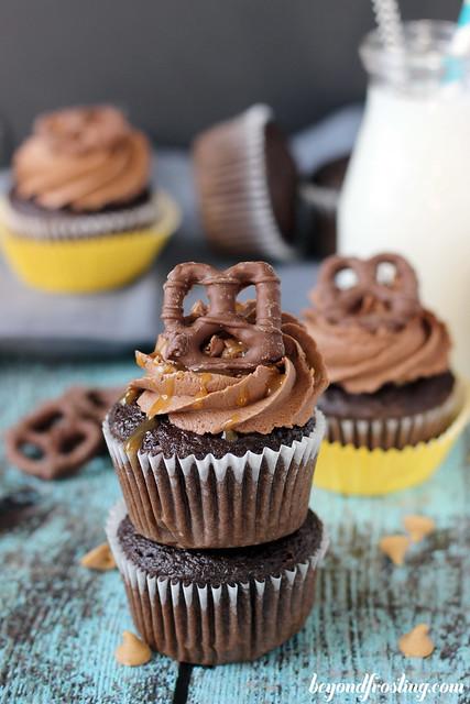 Take 5 Cupcakes | beyondfrosting.com | #cupcakes #take5