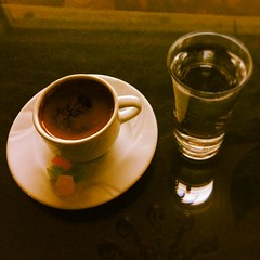 alcoholic beverage(0.0), espresso(1.0), cup(1.0), tea(1.0), drinkware(1.0), coffee(1.0), coffee cup(1.0), turkish coffee(1.0), drink(1.0), caffeine(1.0),