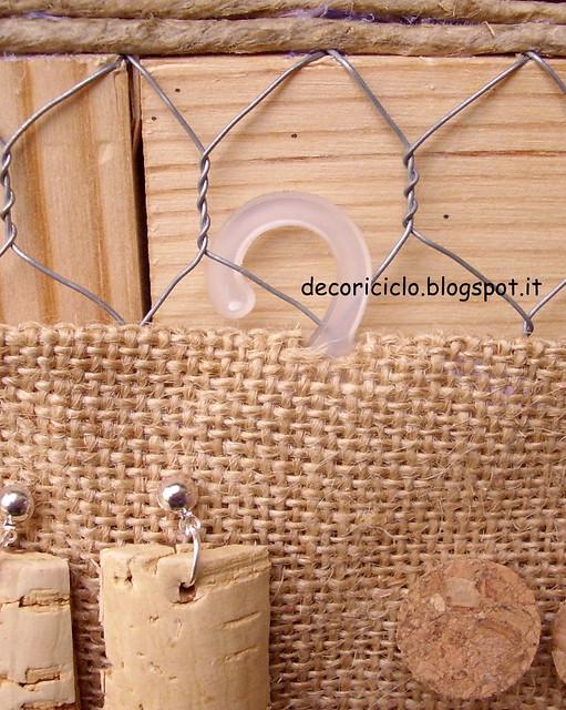 espositore per orecchini legno e rete conigli 4