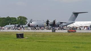 Airbus A400M und CASA C-295M