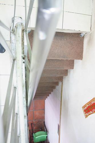 斜度超高的樓梯