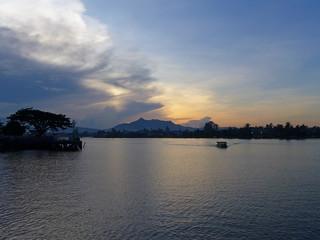 20141122_4246 Sarawak River waterfront sunset