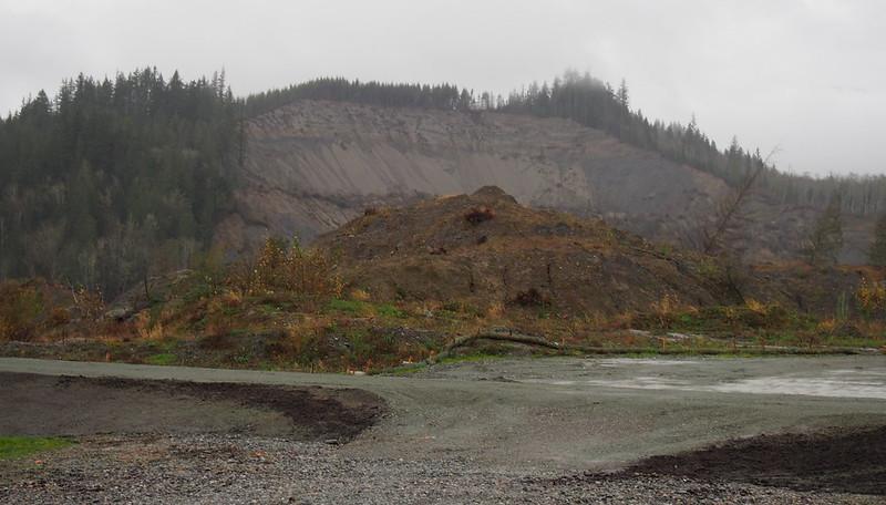 """Oso Mudslide: <a href=""""http://en.wikipedia.org/wiki/2014_Oso_mudslide"""" rel=""""nofollow"""">2014 Oso mudslide</a>"""