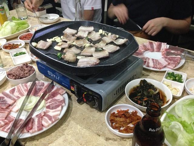 ガイサノカントリーモール近くの韓国料理屋さん。キムチが遠慮なく酸っぱくて辛くておいしかった。, Apple iPhone 5, iPhone 5 back camera 4.12mm f/2.4