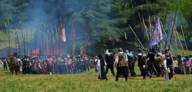 Assedio  di  Canelli ... Battaglia  sul  campo ..... Explore !