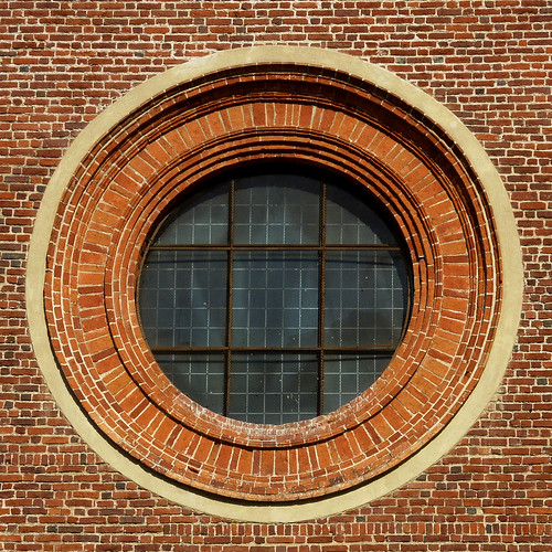 round window by pho-Tony