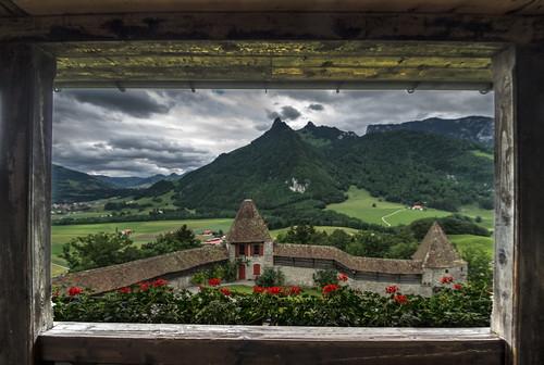 castle switzerland nikon pentax chateau k5 d800 gruyères tamron1024mmf3545