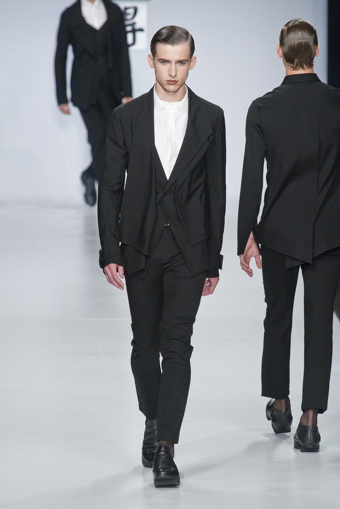 SS14 Milan Ji Wenbo028_Toby Corton(fashionising.com)