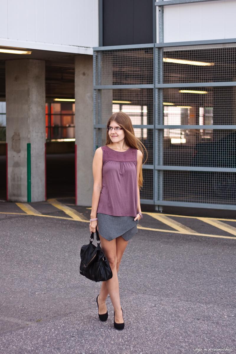 Zara grey pinstripe skort outfit