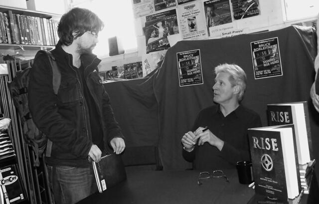 Bruce Boxleitner signing Forbidden Planet Edinburgh 08