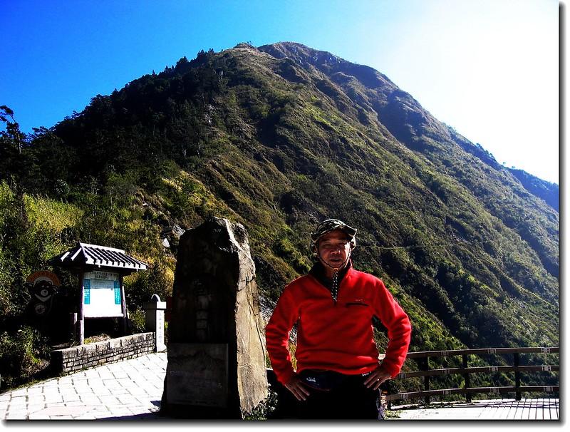 玉山登山口(塔塔加鞍部 Elev. 2630 m) 2
