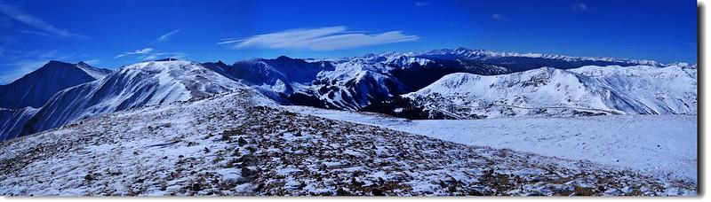 Loveland Pass Point 12,915'遠眺西、南邊幾座14ers