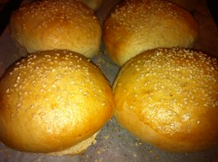 pandesal, bread, cheese bun, baked goods, food, bread roll, cuisine, brioche,