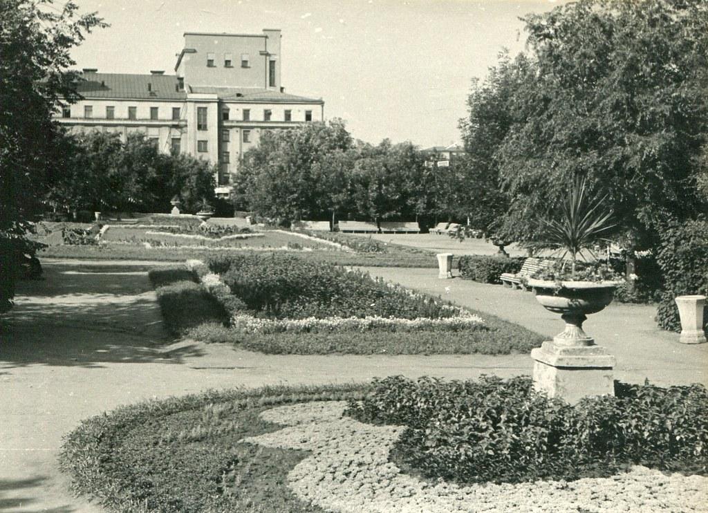 47_Сквер на площади Куйбышева