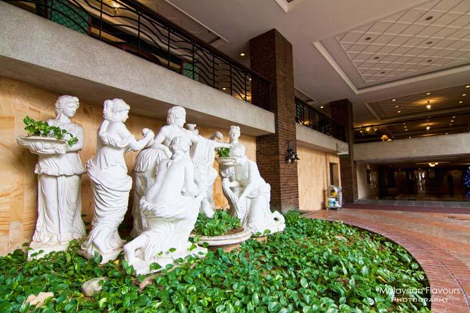 european-sculptures-holiday-villa-hotel-suites-subang