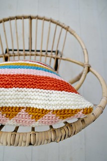 wood & wool knitted harlequin pillow 033