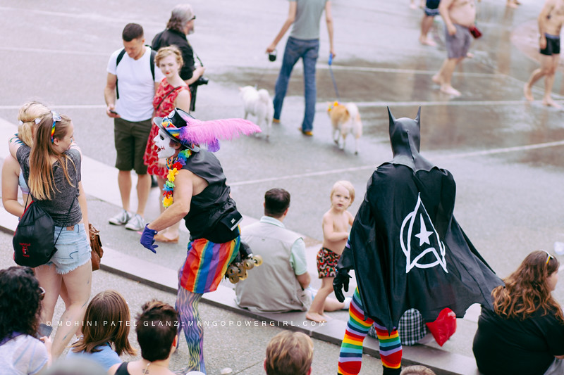 batman & joker entertain crowd at international fountain