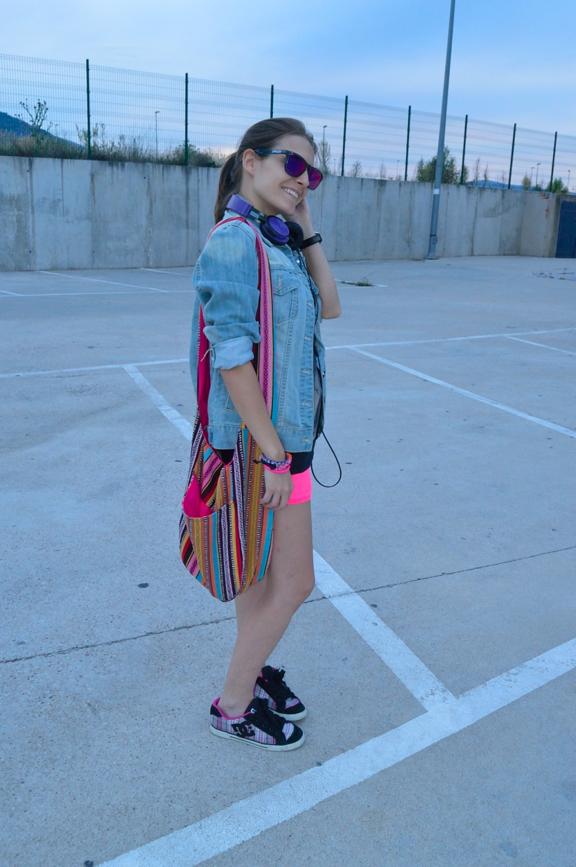 lara-vazquez-madlula-blog-style-fashion-look-colours-sporty-denim-penny-pink-shorts