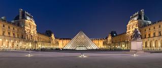 Image of Louvre Palace near Paris 01. france hugin ieohmingpei nightphotography panorama paris pyramidedulouvre cournapoléon muséedulouvre îledefrance