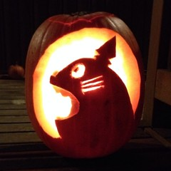 Realized some technique too late. Still turned out better than I thought it would. #totoro #pumpkin