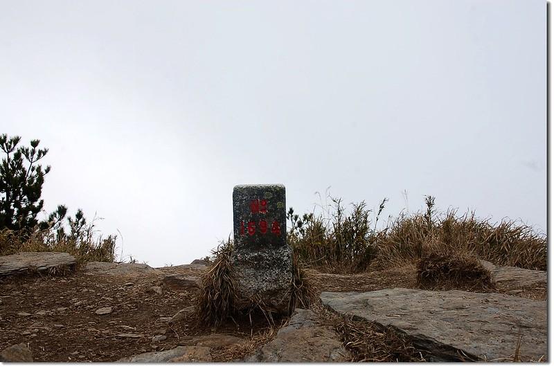郡大山二等三角點(# 1694 Elev. 3265 m) 1