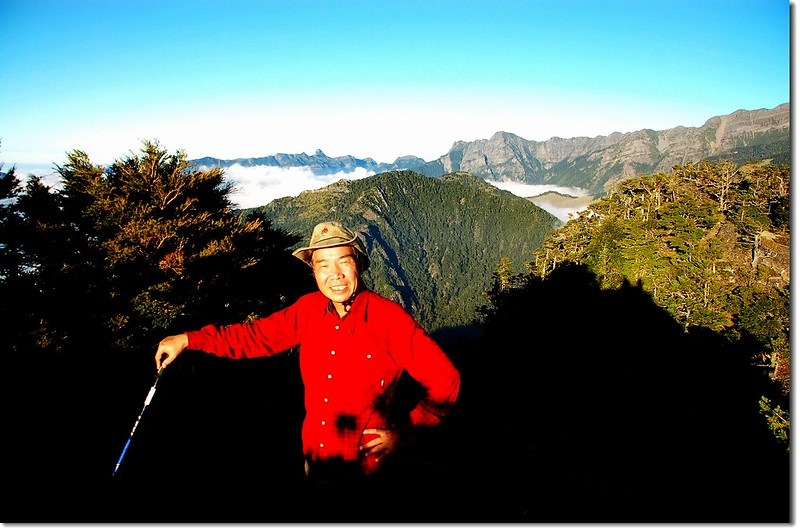 火石山山頂(背景為雪北、大霸群峰)