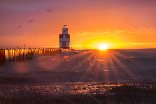 Lighthouse, Sunrise, Sunbeams, Beach, Kewaunee, Lake Michigan