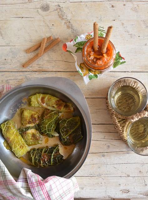 Pacchettini di Verza con Mozzarella e Alici Piccanti in salsa velocissima di Tonno