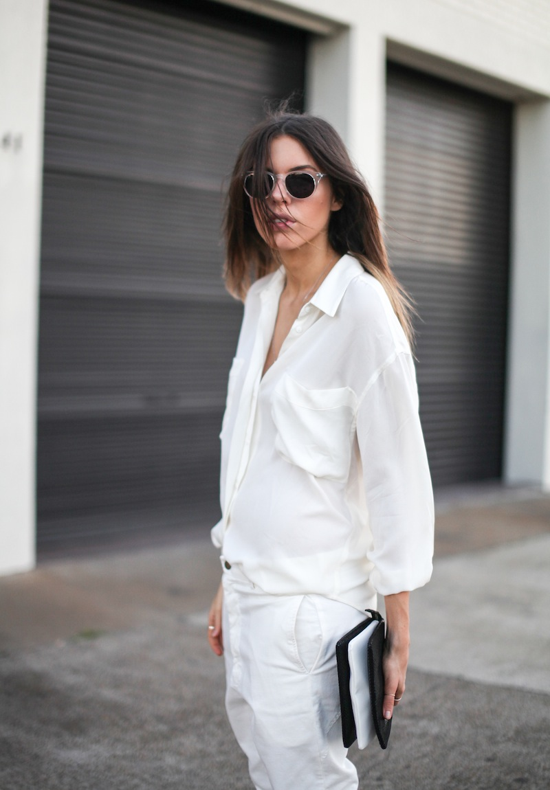 modern legacy fashion style blogger australia Camilla Marc silk shirt Bassike slouch pants Witchery snakeskin clutch Comverse Dainty All Star trainers Sambag sunglasses summer street style (8 of 10)