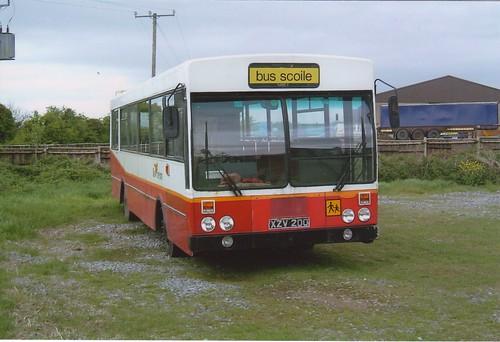 BUS EIREANN KS200 XZV200 BALLYLANDERS 060503.