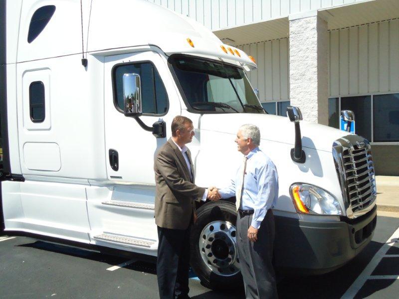 Peach State Freightliner >> Peach State Freightliner Hosts U S Rep Doug Collins At D