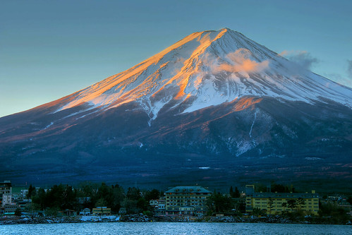 lake snow japan sunrise volcano fuji mount cap iconic kawaguchi