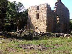 Hameau de Pruna : 3ème grande maison ruinée