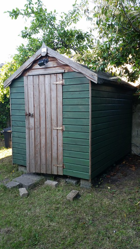 Repainting the shed... diy...