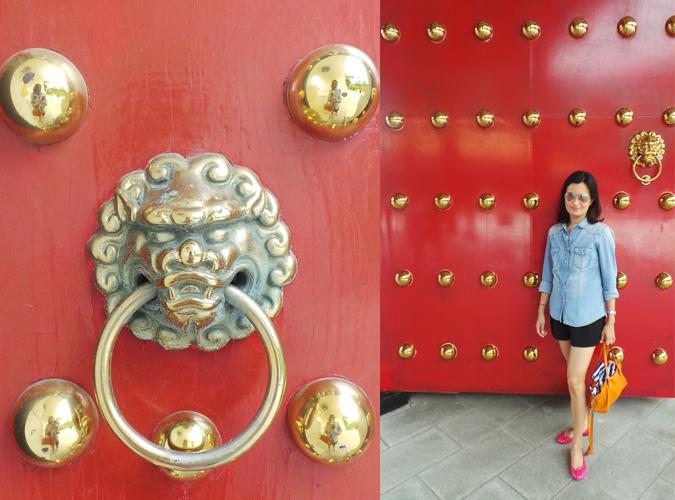 Taiwan red door