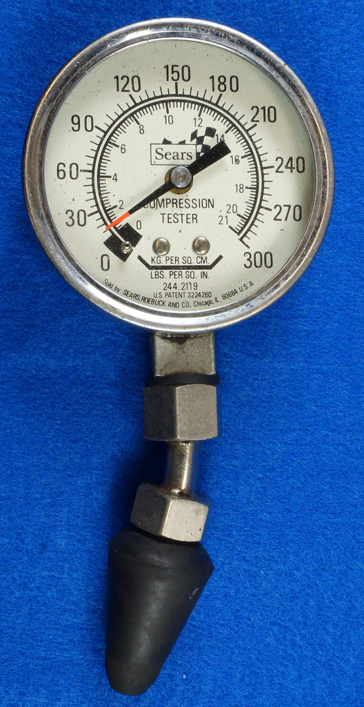 RD14488 Snap On 100 PSI Pressure Gauge Kilopascal in Metal Case with Sears 300 PSI Tester DSC06880