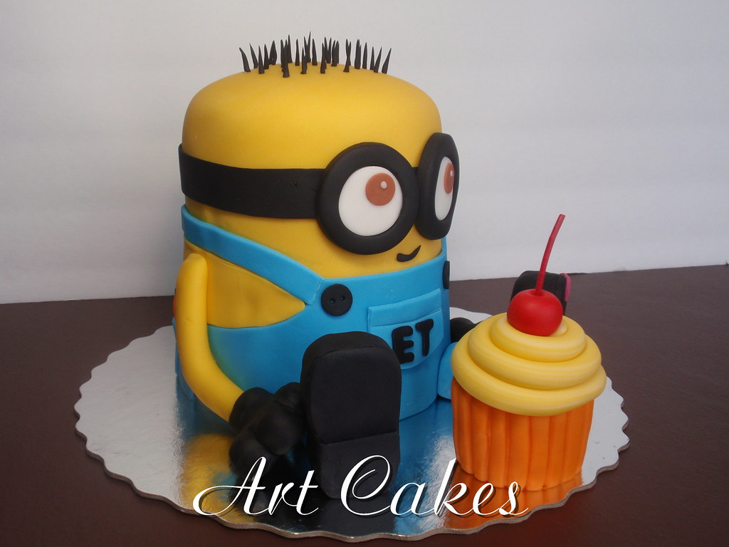 Groovy Despicable Me Birthday Cake Nora Rexach Flickr Funny Birthday Cards Online Inifofree Goldxyz