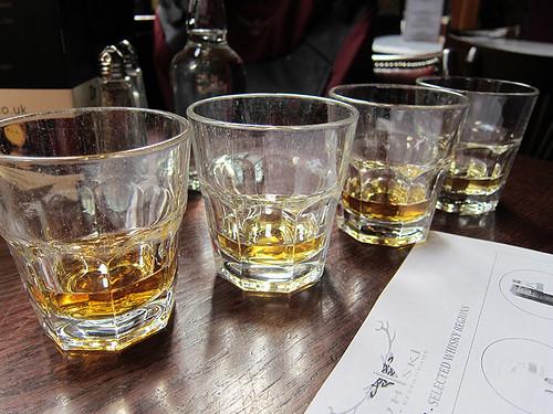 whisky flight @ Whiski